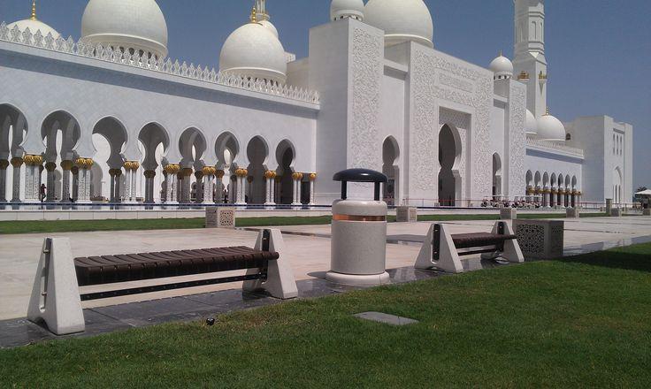 #AbuDhabi #Bellitalia street furniture Gran Moschea dello Sceicco Zayed