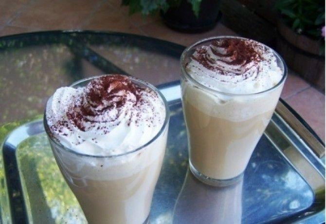Jeges kávé turmix recept képpel. Hozzávalók és az elkészítés részletes leírása. A jeges kávé turmix elkészítési ideje: 5 perc