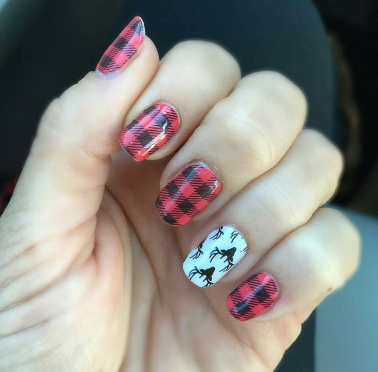 Friday Flannel with Oh Deer Jamberry Nail wraps https://sarahssweetjams.jamberry.com