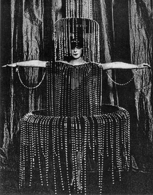 Luisa Casati in a fountain costume designed by Poiret, 1920′s.