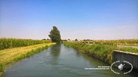 Textures Irrigation canal background 20807 | Textures - BACKGROUNDS & LANDSCAPES - NATURE - Rivers & streams | Sketchuptexture