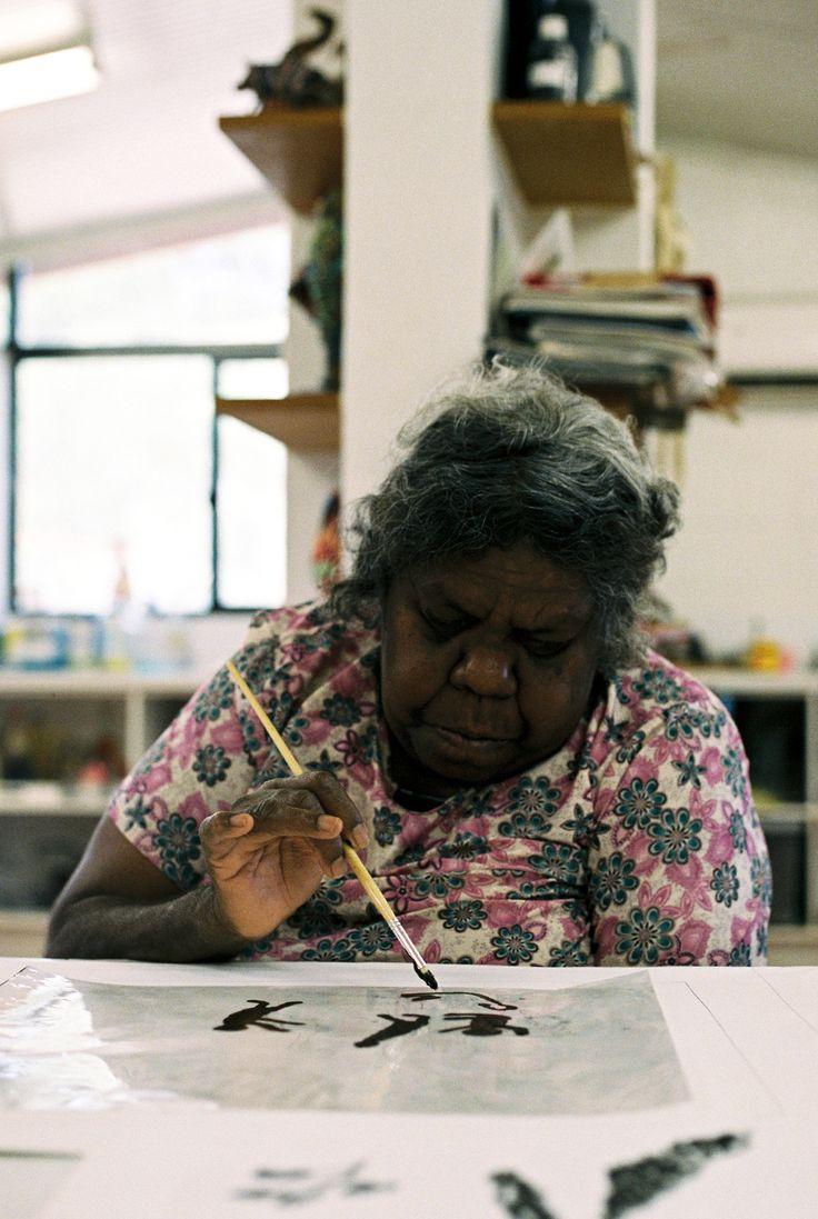 Lindsay Essay   Yarrenyty Arltere Artists Keep Australia's Heart Beating   Photo by Beth Wilkinson, Alice Springs
