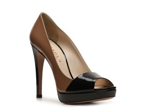 Prada Two-Tone Peep Toe Platform PumpTwotone Peep, Two Ton Peep, Platform Pumps, Woman Shoes, Prada Two Ton, Pump Prada, Peep Toes Platform, Brand Luxury, Prada Twotone