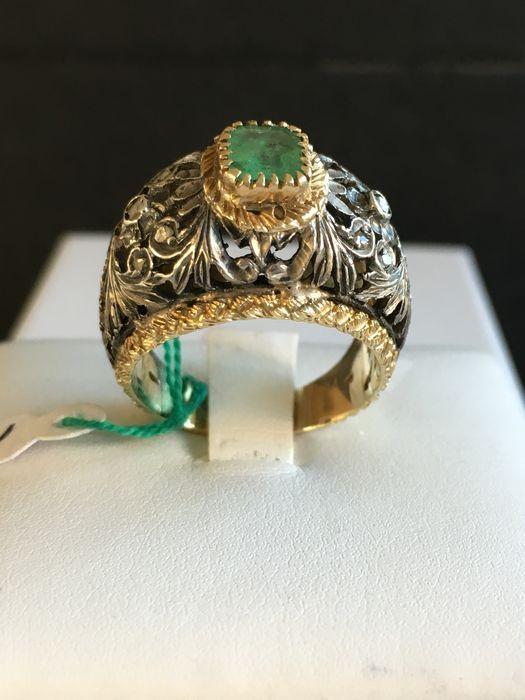 Online veilinghuis Catawiki: 18 kt gouden ring, zilver, diamanten, en smaragd