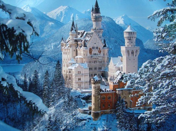 Neuschwanstein Castle, Germany (Credit: unikwallpaper.blogspot.com)