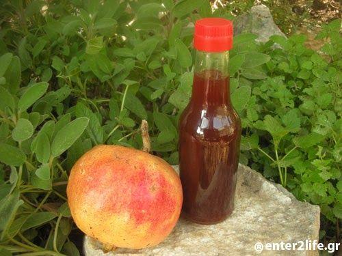 Σιρόπι με βότανα, ρόδι και μέλι για τις λοιμώξεις του αναπνευστικού και το κρυολόγημα « enter2life.gr