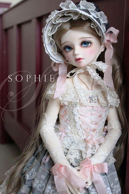 linda, delicada, como o nome Sophie *u* Boneca Dollfie*u*