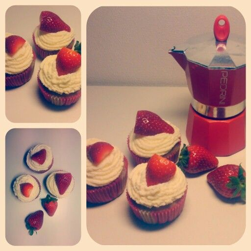 Sunday Strawberry cupcakes with cream cheese frosting