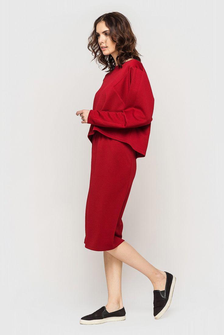 Юбка-труба трикотаж соты кармин 390 грн. Идеально дополнит твой #гардероб. Найди свое сочетание #одежды!