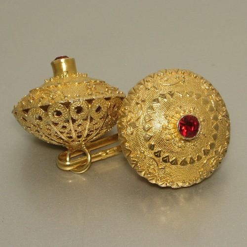 Sardegna gioielli. Traditional gold button