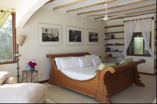 Coastal Style Decorating Ideas 06 Of 23 - with wood bed Bedroom