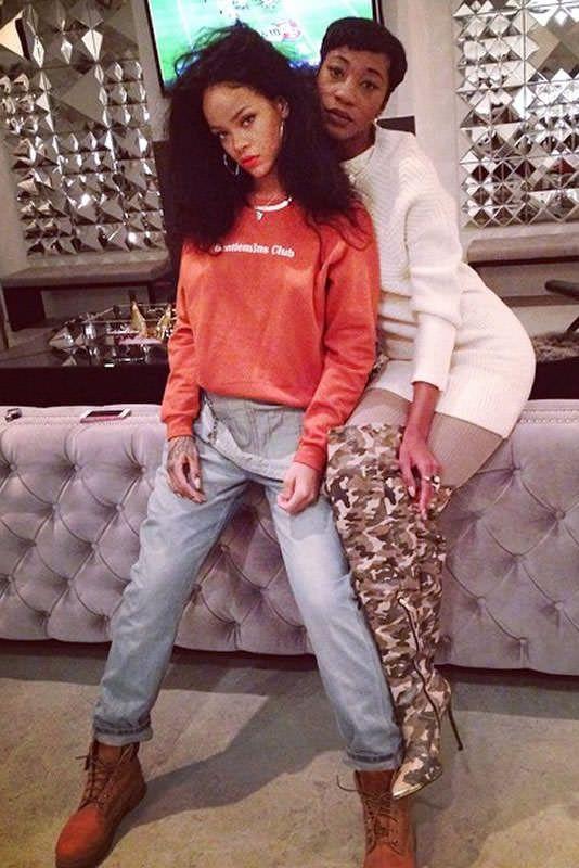 Rihanna Thanksgiving November 27, 2014 | Rihanna wearing Timberland Premium Boots in Wheat Nubuck, Topshop Moto Bleach Long Leg Dungarees Rompers and Topshop Moto Bleach Long Leg Denim Overalls