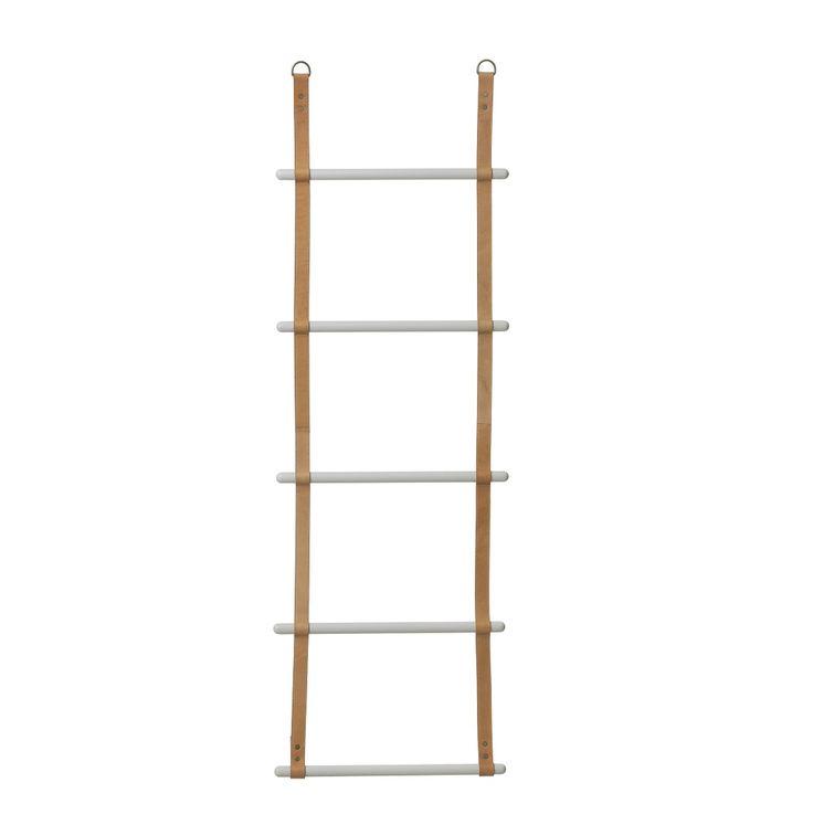 ferm LIVING Leather Ladder https://www.aitonordic.it/collections/protti-per-cucina-e-per-tavolo/products/leather-ladder-ferm-living
