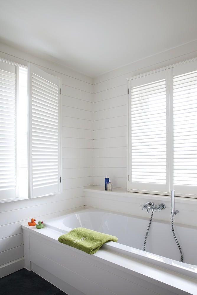 Copahome raamdecoratie / zonwering eco shutters wit / La décoration de fenêtre. Volets en bois blanc