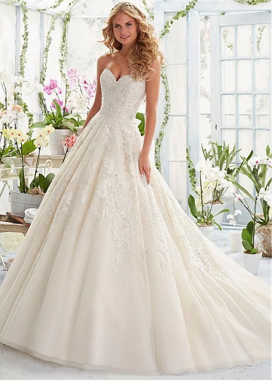 Fabulous Tulle Sweetheart Neckline A-line Wedding Dresses with Beaded Lace Appliques