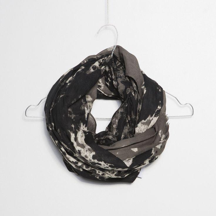 #brand #brandpl #newcollection #new #fallwinter14 #fall #winter #autumn #autumnwinter14 #onlinestore #online #store #shopnow #shop #fashion #womencollection #women #chusta #scarves #green #print #combo #guess
