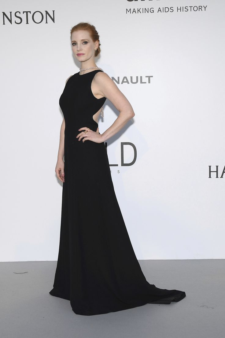 Jessica Chastain poses for photographers upon arrival at the amfAR charity gala during the Cannes 70th international film festival, Cap d'Antibes, southern France, Thursday, May 25, 2017