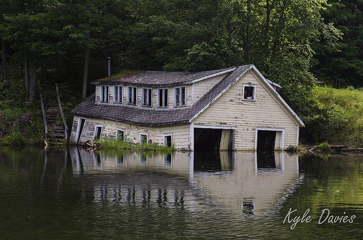 Sinking Boathouse