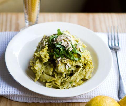 Lemon Sunflower Pesto Pasta #tasty # #food #recipe http://explodingtastebuds.com/