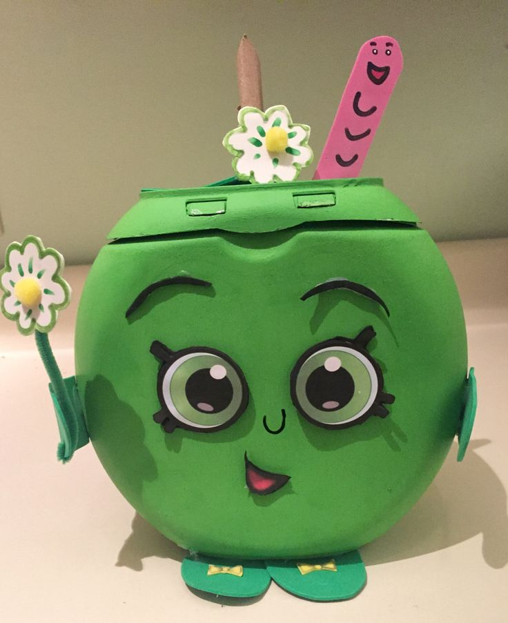 Shopkins Apple Blossom Valentine's Day box using a Tide Pod detergent container