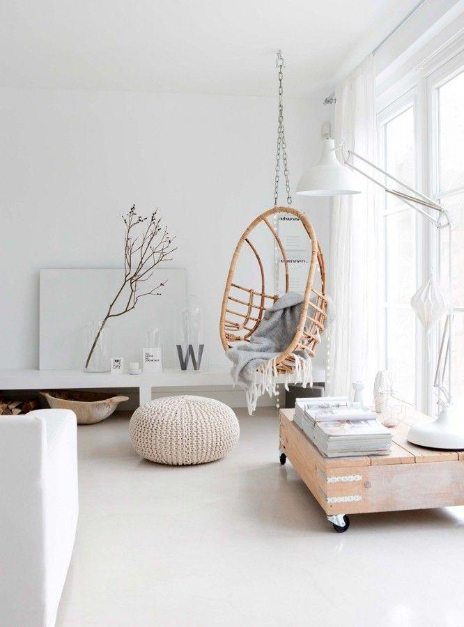 Columpio de salón / Dulzura y robustez en un bonito apartamento escandinavo #hogarhabitissimo