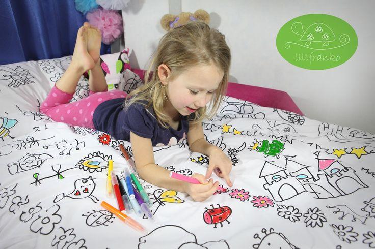 """Masz kreatywne dziecko które uwielbia malować? A może trudno go zagonić do łóżka? Pościel """" KOLOROWANKA"""" sprawi maluchowi wiele radości z chodzenia spać i stanie się jego ulubioną. Lilifranko"""