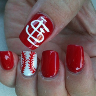 I want to go to a cardinals game just so I have an excuse to paint my nails like this!