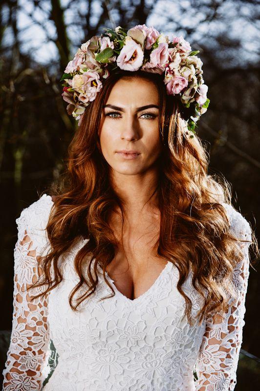 #piqsell studio #wedding #session #bride #curly hair #beautiful girl #photo session #portrait #wedding dress