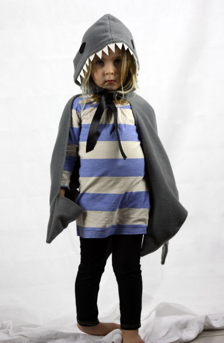 Childrens Shark Costume - dress up cape fish kids fancy dress door sparrowandbcostumery op Etsy https://www.etsy.com/nl/listing/180624077/childrens-shark-costume-dress-up-cape