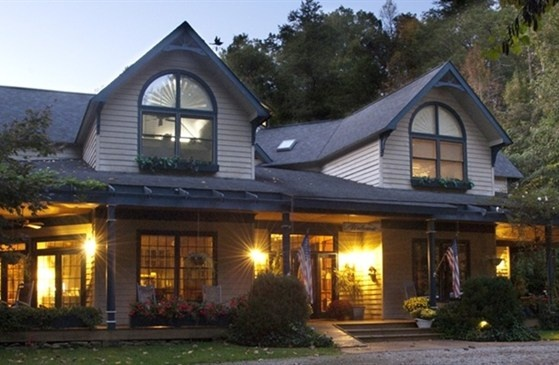 18 best inns and chalets in gatlinburg images on pinterest for Premier smoky mountain cabin rentals