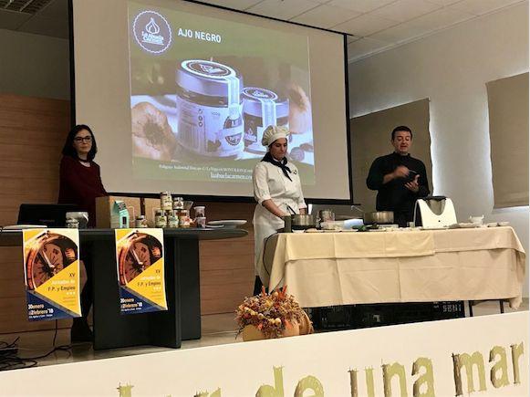 Conferencia y #showcooking de @LaAbuelaCarmen_ en Estepa https://goo.gl/6CPkim #cocina #gourmet #ExperienciaFoodie