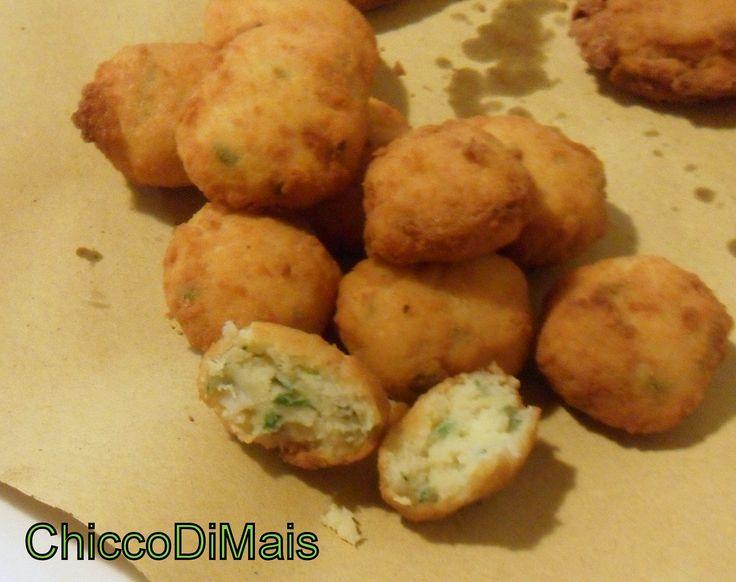 Crocchette di pesce e patate  http://blog.giallozafferano.it/ilchiccodimais/crocchette-di-pesce-e-patate-ricetta-finger-food/