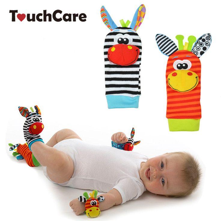 Sozzy giocattolo del bambino sconcerta toys animale calzini cinturino da polso con il crepitio del bambino calzini del piede bug cinturino da polso