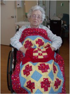 My Grandmother loves her Lovie Lap Quilt!  Lap quilts with pockets from http://www.homesewnbycarolyn.com