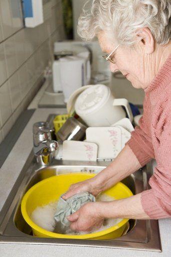 SOS huishouden: Grootmoeders tips! | ze.nl