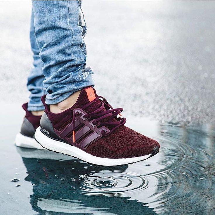 Burgundy Ultra Boost. Yes please. Photo : @mattshiho #sneakers #Adidas #ultraboost #shoes #menswear #streetwear #wiwt #kicks #bridgeandbarrel by bridgeandbarrel
