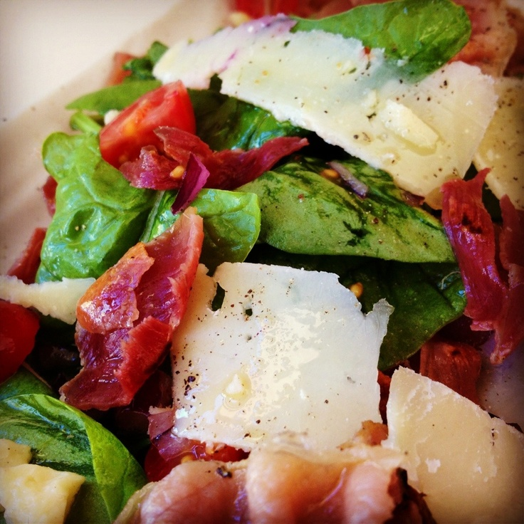 Crispy Prosciutto Salad  - delicious and a quick, easy lunch!
