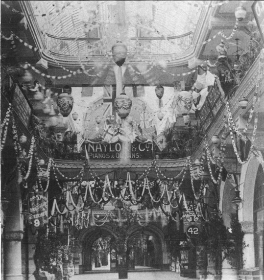 1901: To celebrate Australia's federation, the Queen Victoria Markets was covered with streamers, foliage and flags. #QVB #Sydney