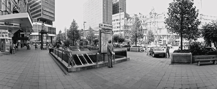 Jean-Claude Decaux branched out into Belgium in 1966, where the first bus shelters were installed in Brussels.