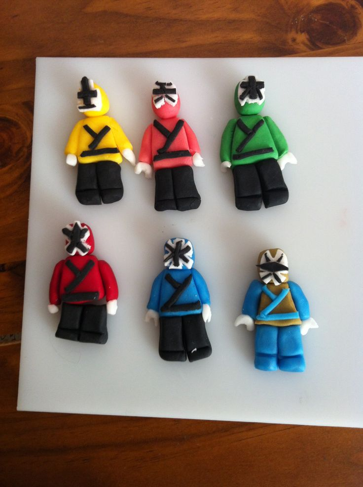 Power ranger fondant cake toppers