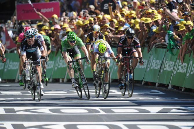 Cyclingnews.com @Cyclingnewsfeed Tour de France 2015: Full Stage 7 report & results   Cyclingnews.com cyclingnews.com/tour-de-france… pic.twitter.com/IuL256cYPA