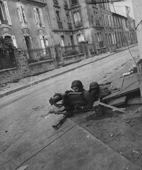 MG Team - Brest, France, 1944.