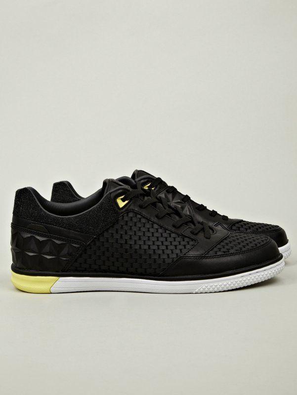 Nike Men's Nike5 Streetgato Woven NRG Sneaker