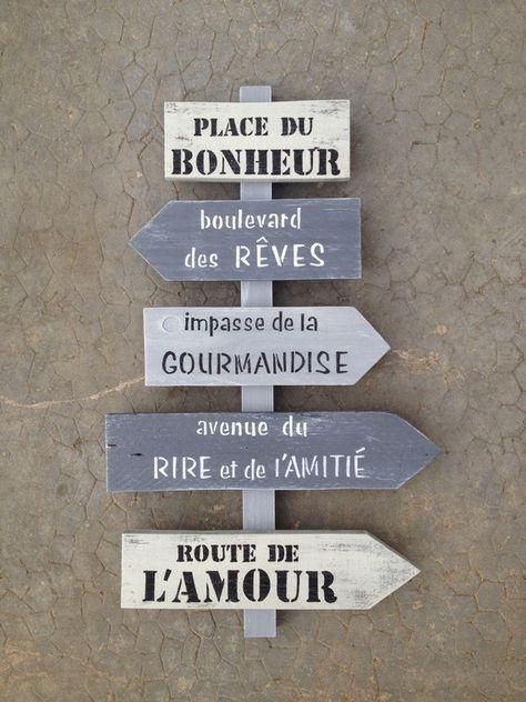 panneau de direction en bois de palette vintage design