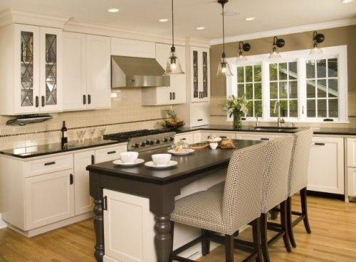 Kitchen lighting: Wall Colors, Kitchens Photo, Dreams Kitchens, Kitchens Design, Traditional Kitchens, Kitchens Ideas, Kitchens Lights, Capes Cod, White Kitchens