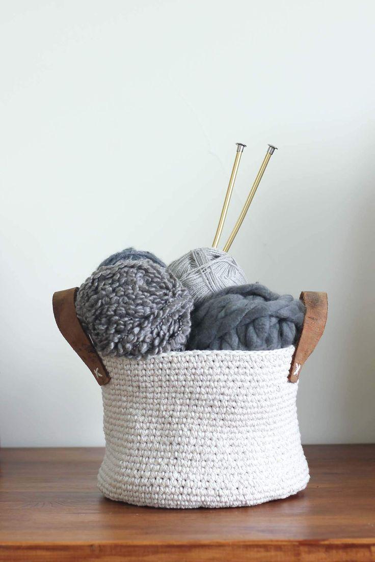37 best Baskets - Crochet images on Pinterest | Gehäkelte taschen ...