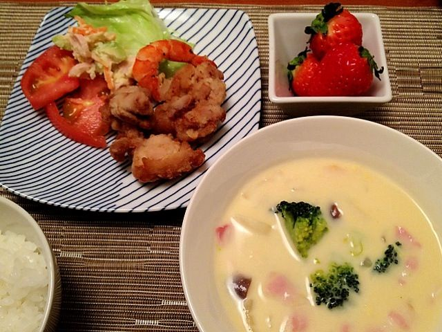 朝作ったお弁当おかずで夕飯(^^;; - 12件のもぐもぐ - コーンクリームシチュー  お弁当残りいろいろ  いちご by ulysses