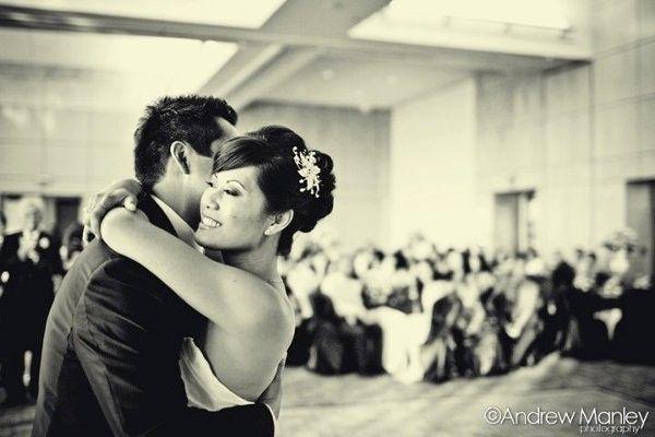 Ideas for Updos Wedding Hair & Beauty Photos on WeddingWire. Pollina de lado