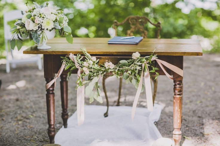 vintage table / wedding signing table / table garland / outdoor ceremony