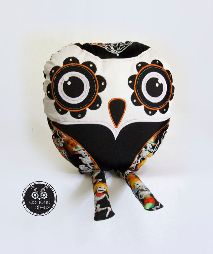 Owl-pillow decorative, owl, decorative , pillow , home by ADRIANAMATEUS on Etsy
